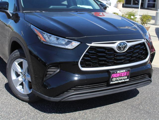 New 2020 Toyota Highlander L 2WD