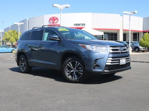 Pre-Owned 2018 Toyota Highlander LE FWD